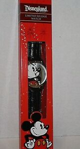 Limited Release Watch Disneyland Theme Park Merchandise Large Mickey NEW