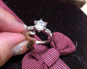 1ct Look CZ DIAM0NDS WGP dress ring size R 9