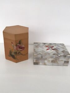 2 X TRINKET BOXES 1 MOTHER OF PEARL 1 HEXAGON SHAPED CHINESE BOX