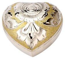 Crémation et urnes funéraires dorés