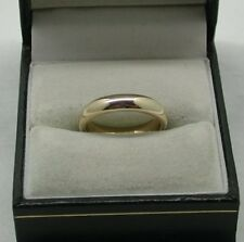 Una llanura de 9 quilates de oro anillo de boda