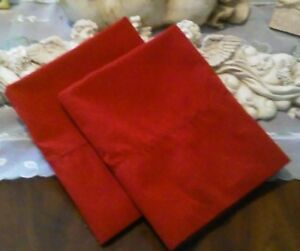COUNTRY COTTAGE SET OF TWO BEAUTIFUL SOLID BURNT RED PILLOWCASES - NEW