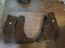 """PREDICTIONS Womens Size 7W Brown Fabric Fashion Boots 2"""" Heels"""