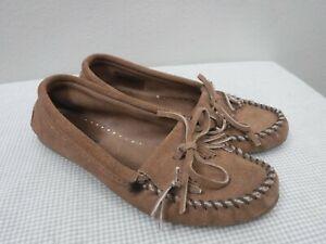 Women's MINNETONKA MOCCASIN 8 Brown Suede Kiltie Fringe Slip On Loafers Flats