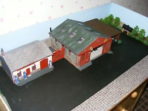 1:43 scale Garage diorama with Vintage signage