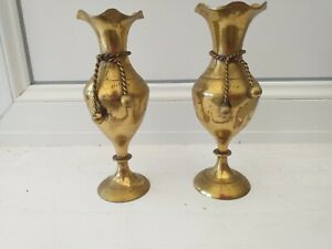 VINTAGE..RETRO...BRASS VASES...PAIR OF VASES...BRASS...RUSTIC..COUNTRY...BRASS