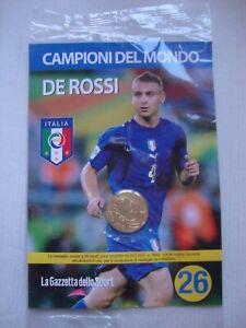 MEDAGLIA ITALIA CAMPIONI DEL MONDO    DE ROSSI    N° 26