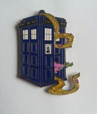 PINS DISNEY FANTASY PIN RAPUNZEL IN A POLICE BOX PASCAL TANGLED