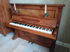 Wunderschönes antikes Klavier