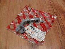NUOVO APRILIA PEGASO 650 3 Cube 1997-2000 STAFFA POGGIAPIEDI ANTERIORE SINISTRA ap8146040
