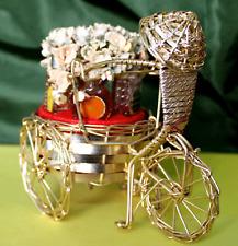 La vietnamienne et son tricycle floral (flacon de collection rare)