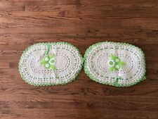 BRAND NEW 3PCS SET CROCHET TOILET SEAT COVER , 2 RUG/TANK COVER