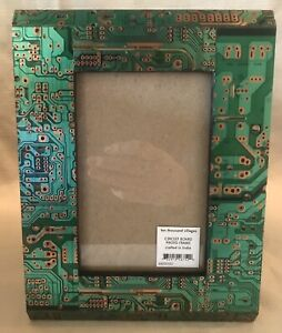 Ten Thousand Villages Circuit Board Picture Photo Frame Green Wooden India 4 X 6