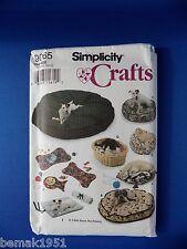 1994 Simplicity Crafts Pattern 9065 Dog Cat Beds Place Mats New Uncut NOS