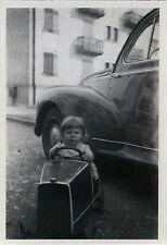 PHOTO ANCIENNE - VINTAGE SNAPSHOT - ENFANT VOITURE À PÉDALES JOUET DRÔLE - CAR