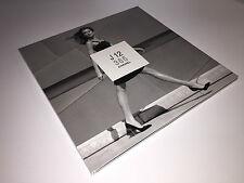 New - Libro catálogo Catalogue Book CHANEL J12 365 - Español - For Collectors