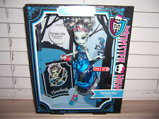 NIB Monster High FRANKIE STEIN Scary Tales Doll THREADARELLA Scarily Ever After