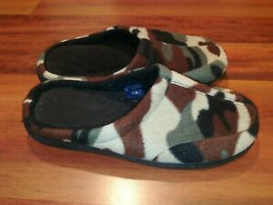 Stafford essentials Mens Comfortable memory foam slippers Camouflage  Size M 7-8