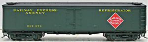 WALTHERS 932-5492 GACX WOOD REEFER WITH BOLTED PEDESTAL TRUCK REX  #379 HO SCALE