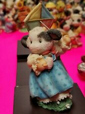 Mary Moo Moos Figurine - Spring Is In The Air