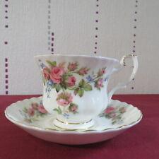 1 tasse a thé en porcelaine royal Albert moss rose 4 dispo