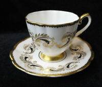 Vintage ELIZABETHAN 1133 England Bone China TEA CUP & SAUCER Black &Gold Scrolls