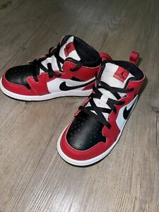 Air Jordan 1 Mid Chicago Bulls Retro Toddler Red Black 640735-069 Size 10 C
