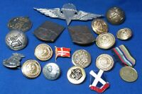 Vintage Italian Army Jump Wings Badges & European Buttons Lot Of 19