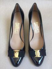 $595 Salvatore Ferragamo Carla Bow Kitten Heels Pumps Black Patent Leather Sz 9
