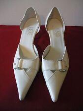 OH MY~! NWOB $385 VIA BRERA Ivory Kitten Heel Leather Pump Buckle Shoes ITALY 7M