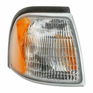 New Right Passenger Side Corner Lamp For 1998-2000 Mazda Pickup Lens /& Housing MA2521112 1F0051121