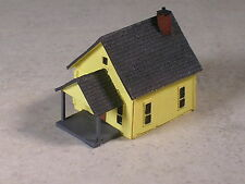 Z Scale Single Story Yellow Company House