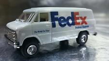 Trident 90103 FedEx Delivery Vehicle HO 1:87 Scale