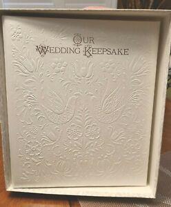 """OUR WEDDING KEEPSAKE  """" WHITE DOVES"""" / HALLMARK NIB"""
