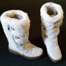 Oscar Julia Sport Boots with white fur and packing guards new with box size 9 US