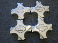 4 Nabenabdeckungen/Radkappen für alten Nissan