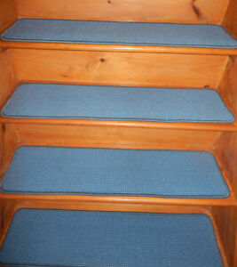 13 = Step 9'' x 36'' + 1 Landing 36'' x 36'' Tufted carpet Wool Stair Treads .