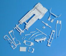 """Revell 1969 Chevy Nova Special Edition SS 2n1 """"Yenko"""" Chassis Set 1/25"""