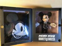 100th ANNIVERSALY Limited Edition!! HUNTER×DISNEY Mickey Figure & T-Shirt 124