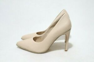 nude Vintage Size 6 Womens Pointy Toe Heels