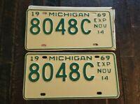 1969 Original Paint MICHIGAN License Plate Matching Pair 8048C   Fast Free S/H