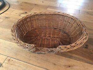 Wicker Dog or Cat Bed Basket Small/Medium