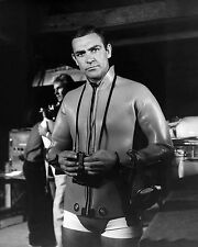 "SEAN CONNERY IN THE FILM ""THUNDERBALL"" JAMES BOND  8X10 PUBLICITY PHOTO (ZZ-333)"