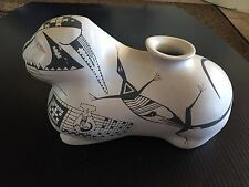 ATQ/Vintage Native American Indian Pottery Effigy Rabbit Black White Zoomorphic