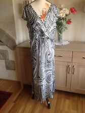 Gold Black And White Swirl Print  Long Dress Size-14 New Without Tags (E1)
