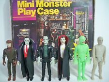 K1803954 MINI MONSTER PLAY CASE W 6 FIGURES REMCO UNPUNCHED GLOW 1980 ORIGINAL