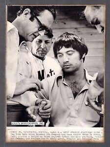 1972 Jim Fregosi & Hodges  METS  UNSIGNED  7-1/4 x 10  B&W ORIGINAL WIREPHOTO #5