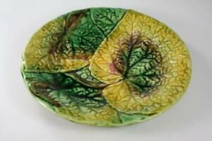 ANTIQUE 19th CENTURY MAJOLICA  CABBAGE LEAF SERVING PLATE