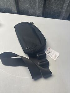 Lululemon Everywhere Belt Bag BLACK