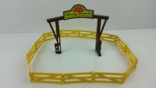 """Playmobil Pony Ranch Sign """"Wood"""" Entrance w 1 Stand and Yellow fencing"""